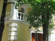 Предлагается в аренду трехэтажный особняк общ. пл. 618 в ЦАО у м. Смол
